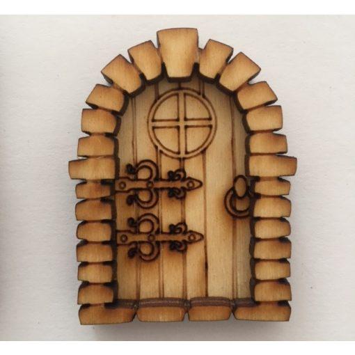 Középkori ajtó, kicsi