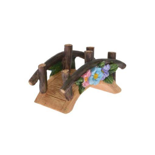 Híd virágdíszítéssel